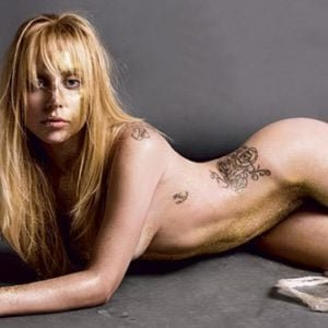 the delicious Lady Gaga completely nude with oily hair