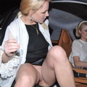 Briney Spears exposing her ladybits in car with Paris Hilton