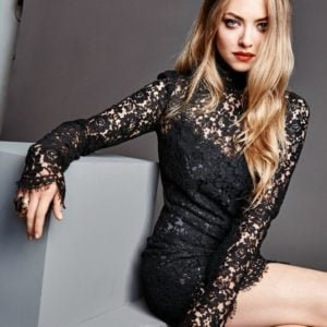 celebrity star amanda seyfried poses in the 2015 Madame Fiagro photoshoot showing her hot thighs