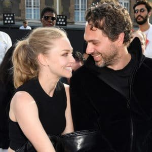 hollywood couple amanda seyfried and her actor husband
