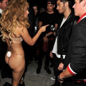 Lady Gaga thong One Direction