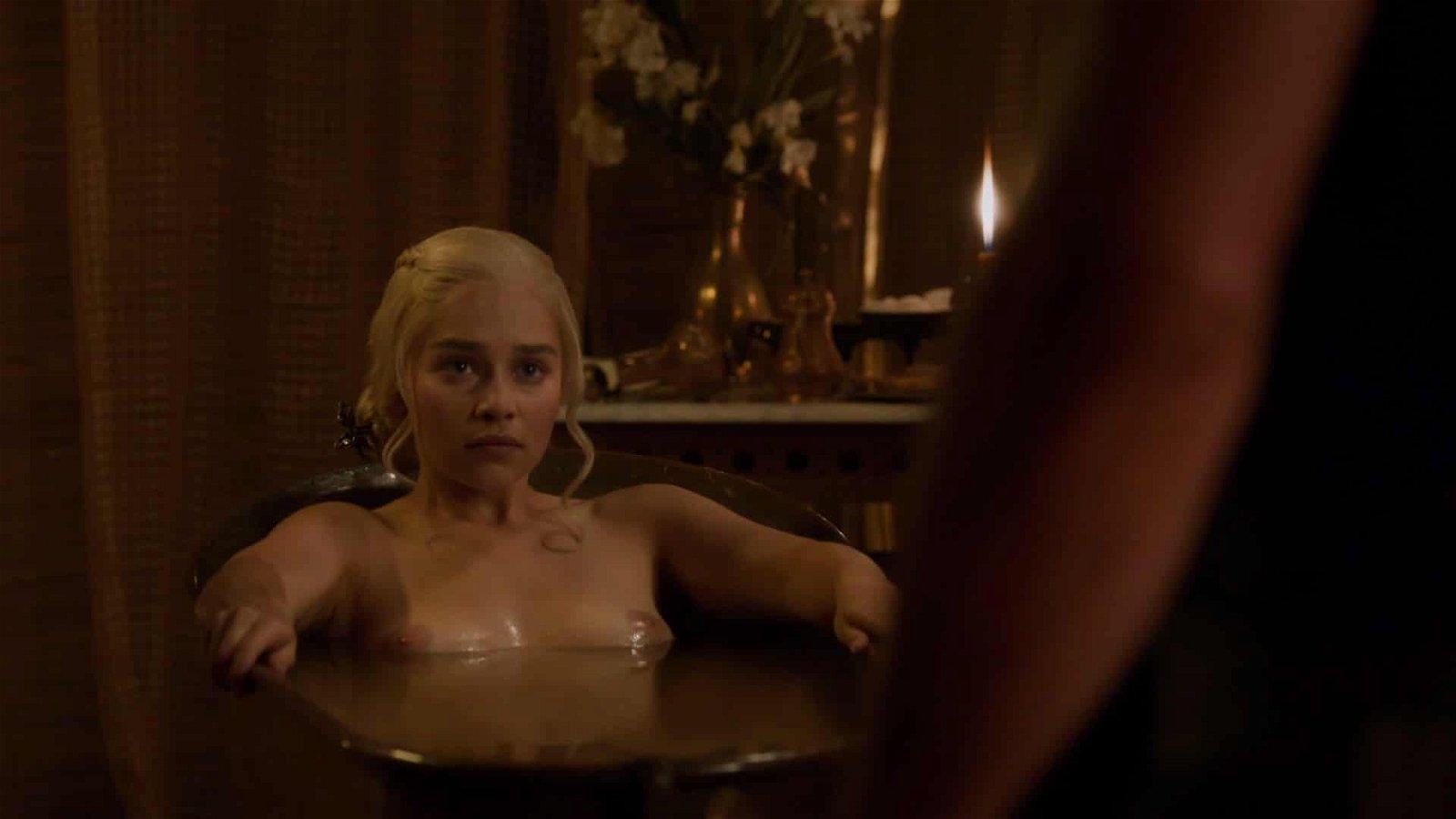 Emilia Clarke completely nude in bathtub nipples showing