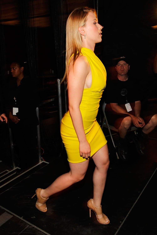 BOOTY CALL! Scarlett Johansson's BEST Booty Moments *HQ PICS*