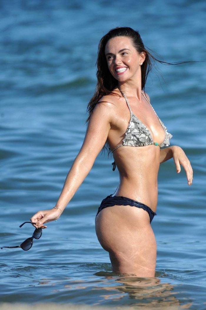 Jennifer Metcalfe in a black bottom thong at the beach
