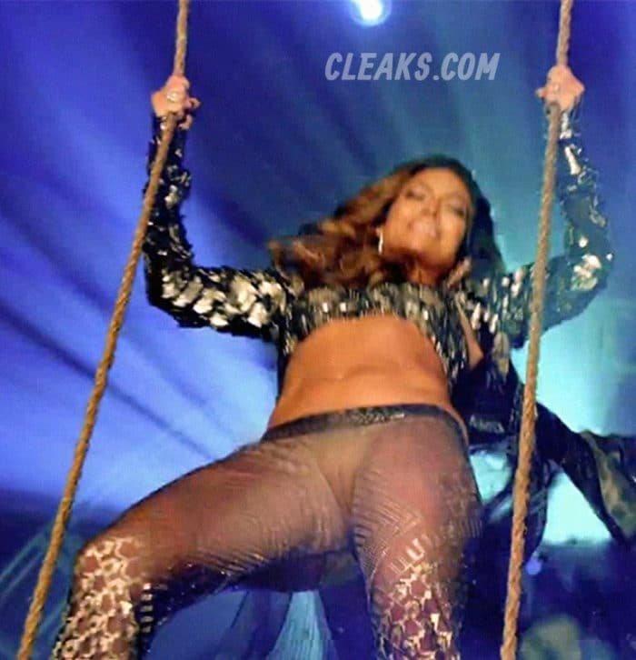 Jennifer Lopez pussy showing Super Bowl