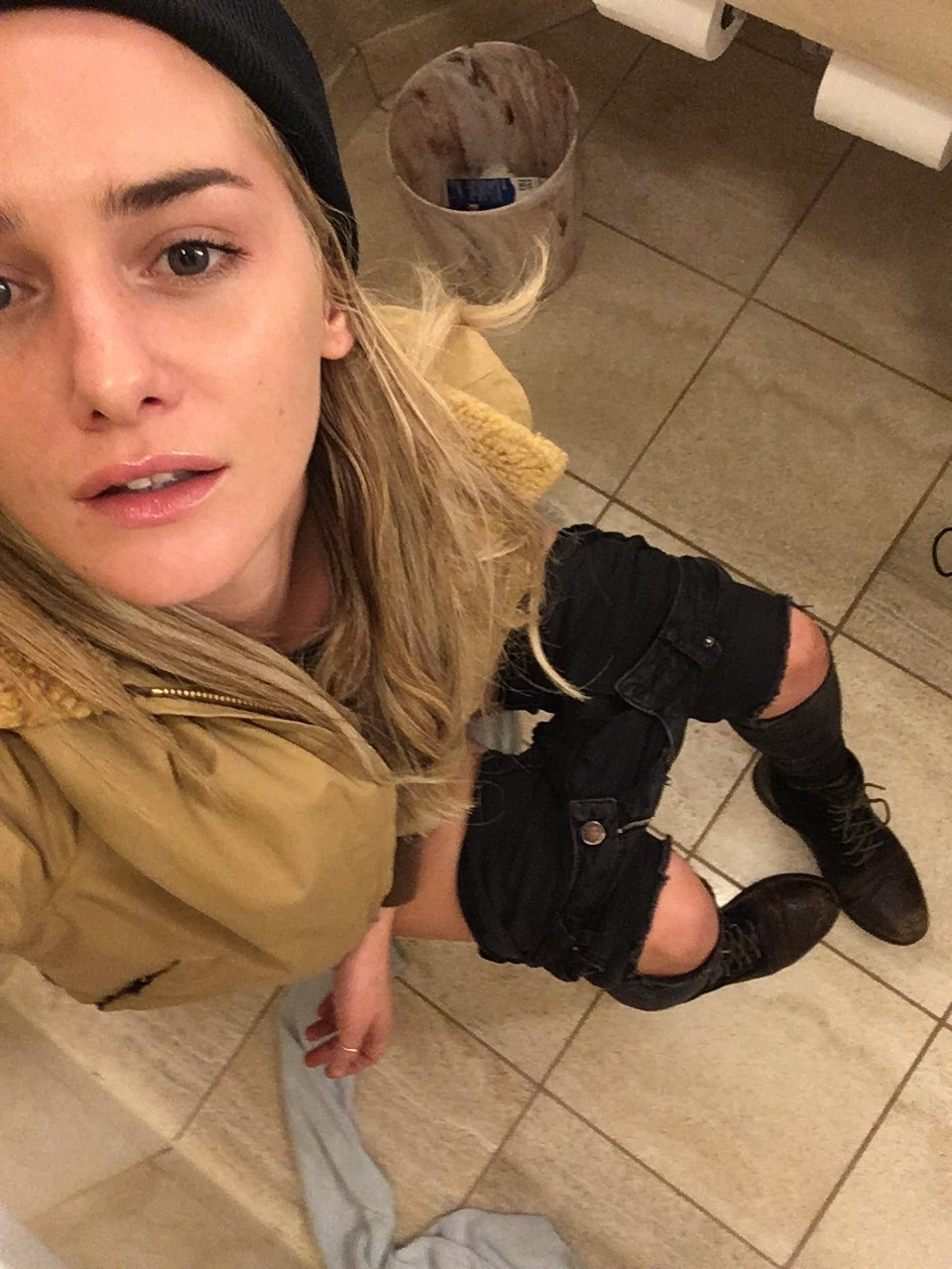 Addison Timlin pussy fucked