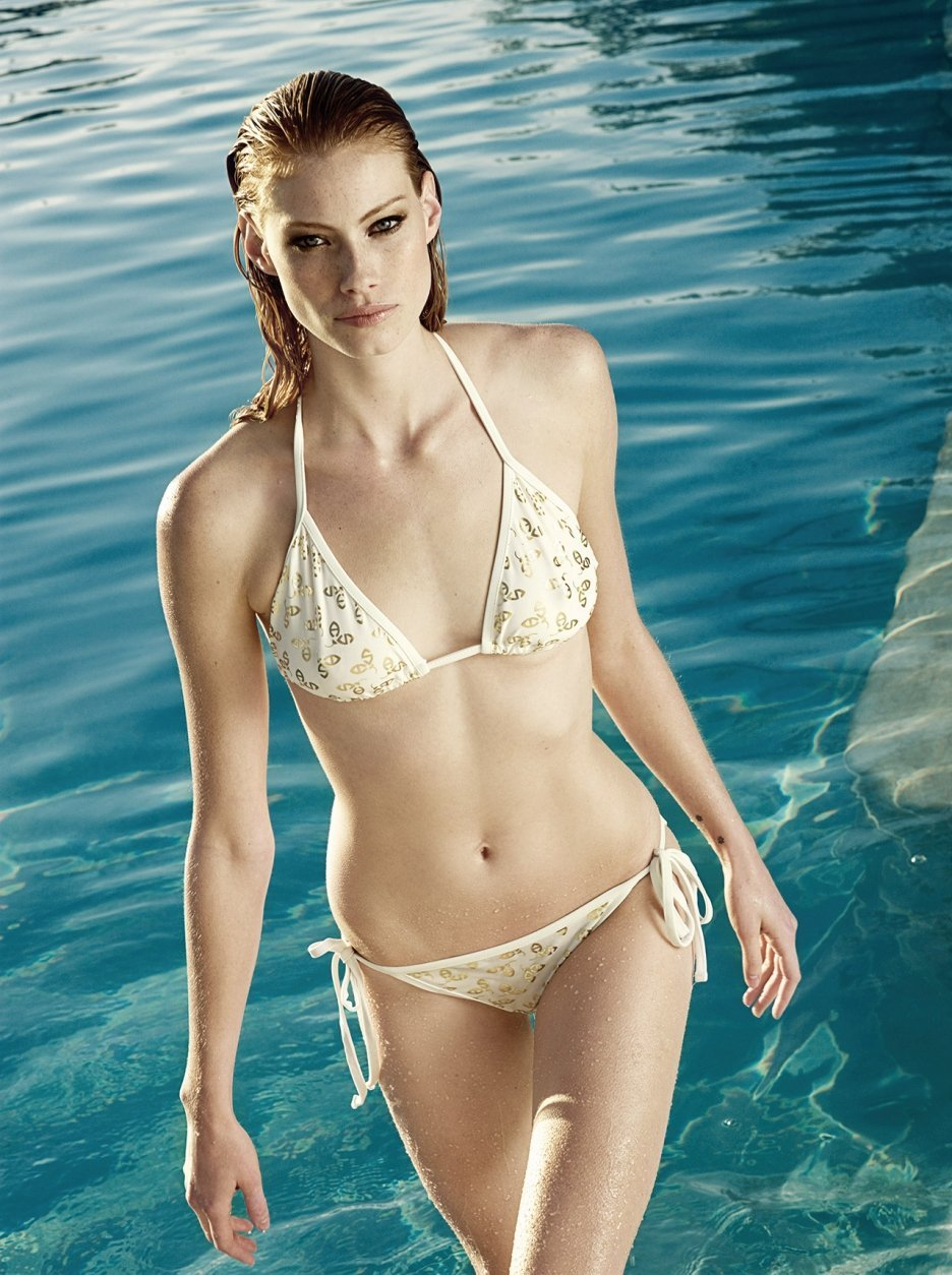 Alyssa Sutherland sexy leaks