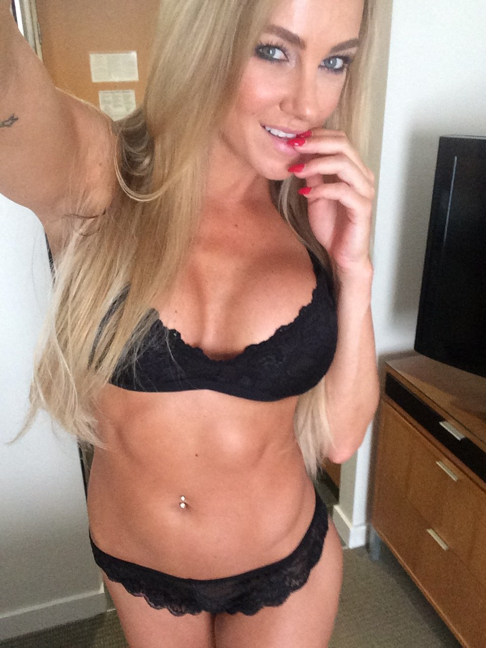 Amber Rose Naked Boobs wow. model amber nichole nude leaked photos