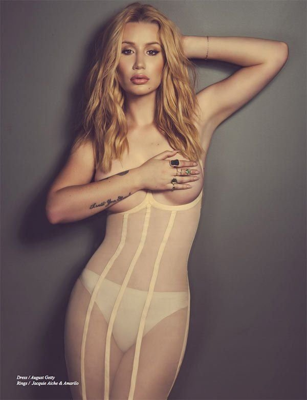Iggy Azalea boobs show