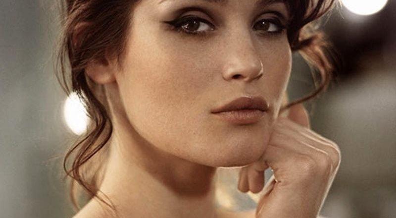 Gemma Arterton sexy pic